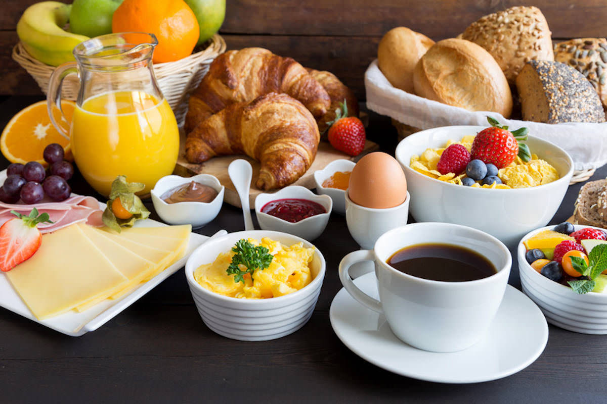 Frühstücksbuffet vor Weihnachten